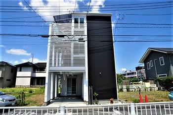 6埼玉県川口市鳩ケ谷のこだわりの家.JPG
