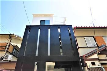 14京都市右京区西京極の狭小二世帯住宅.JPG