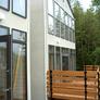 京都府宇治市・高低差3.5mの敷地を利用したルーフバルコニーのあるモダン住宅