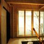 京都市北区の閑静な住宅街に屋上テラス、ジャグジーのあるコンクリート打放しのモダン住宅